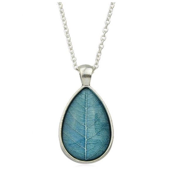 Jewelry - Blue Leaf Grain Pendant Necklace